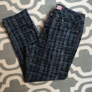 CAbi acid wash curvy skinny jeans SZ 10